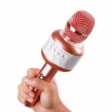 ET E106 Bluetooth Microphone with Built-in 2200mAh Rechargeable Battery, Pink-1