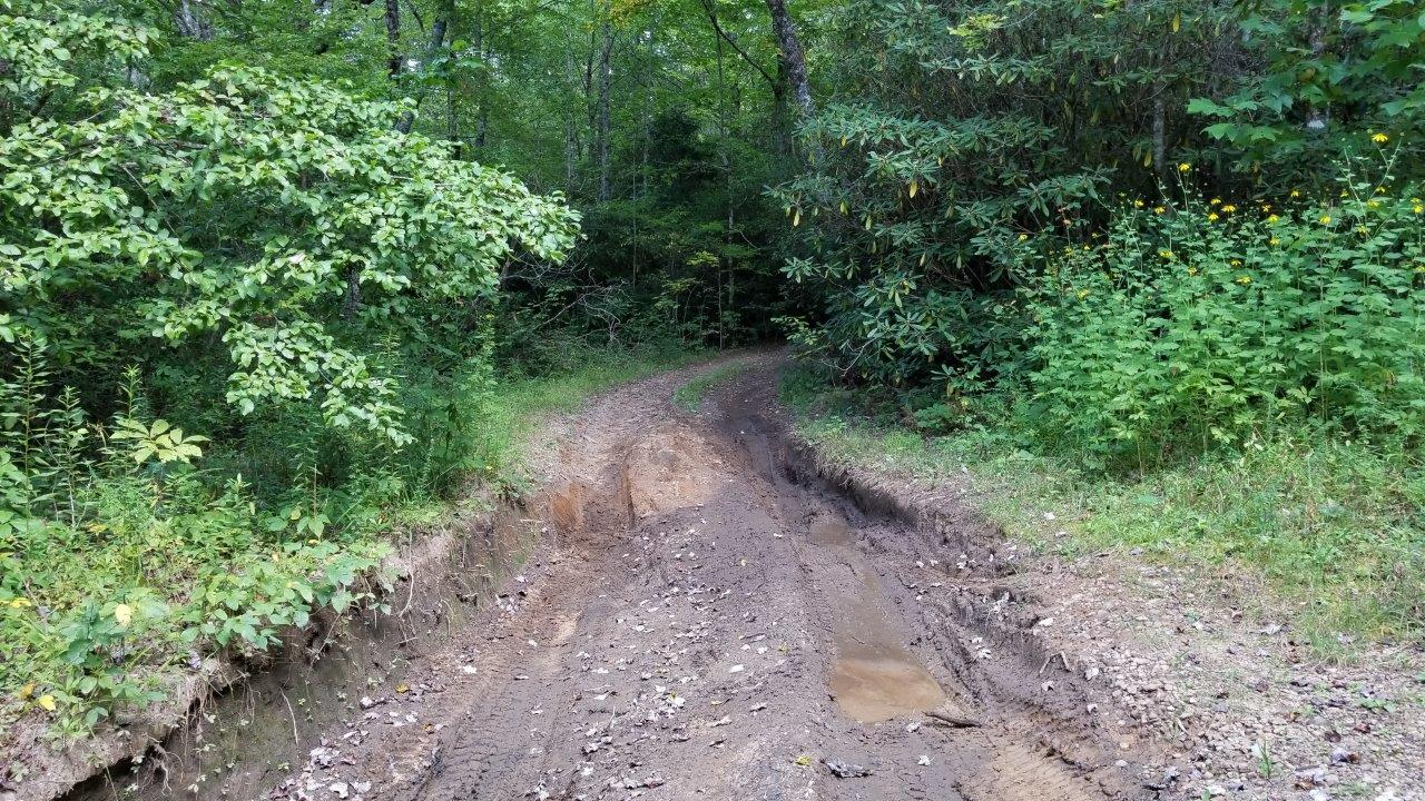Tray Mountain Road - Waypoint 9: Mud Pit