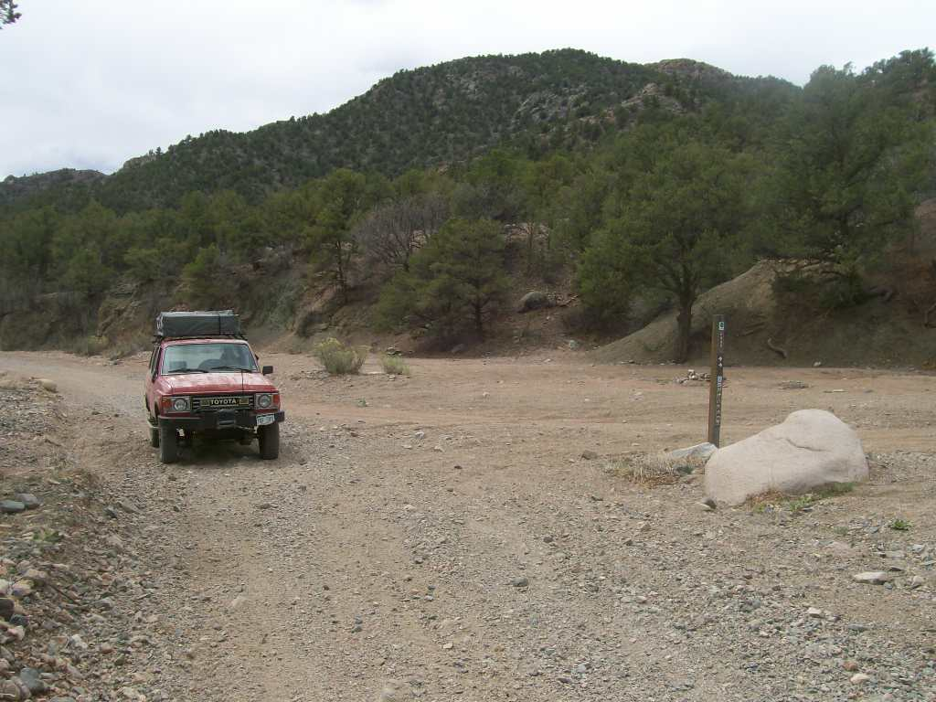 Fremont County Road 27 - Waypoint 4: Intersection 6040, Stay Right