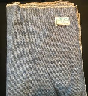 100% wool blanket (blue)