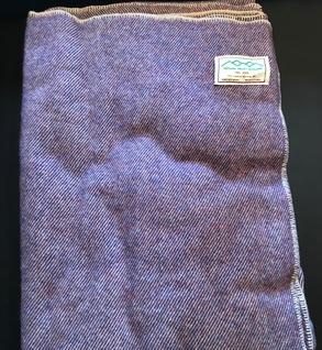 100% wool blanket (Purple)