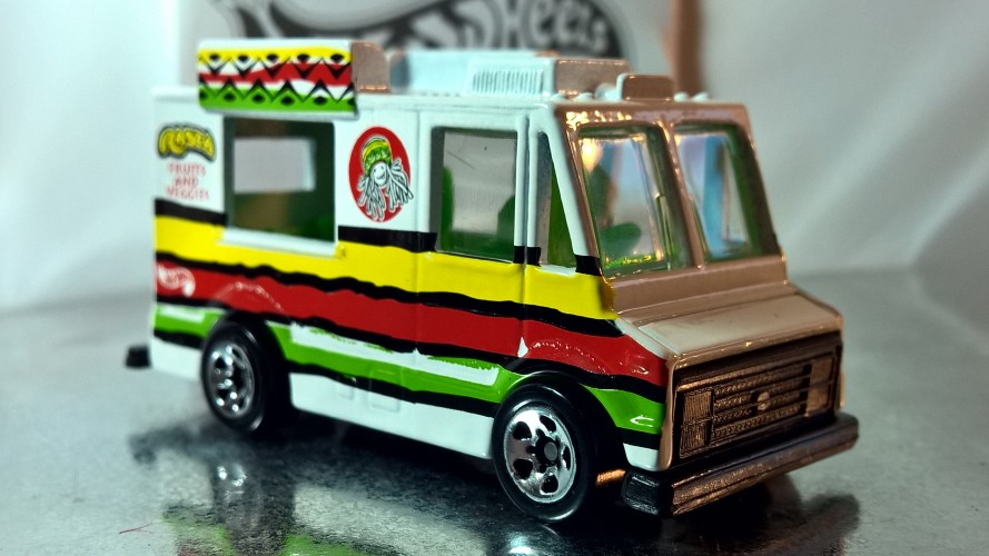 Ice Cream Truck - Collect Hot Wheels