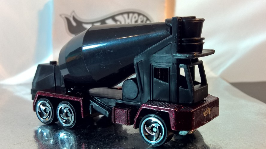 Oshkosh Cement Mixer - Collect Hot Wheels