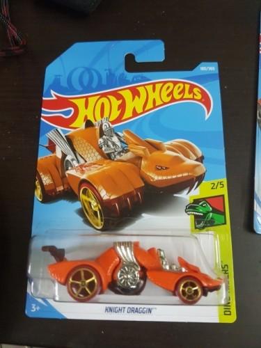 Orange Knight Draggin Hot Wheels 2018 Dino Riders 2//5