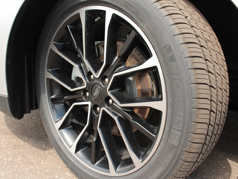 2017 Ford Taurus SEL  - Leather Seats - $194 B/W