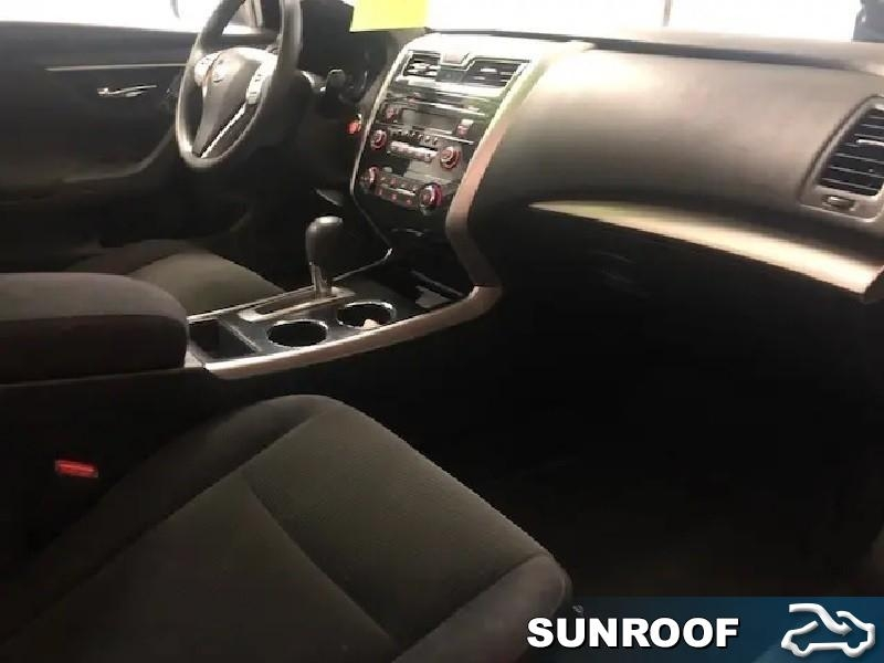 2013 Nissan Altima 2.5  - Sunroof -  Leather Seats - $118.58 B/W