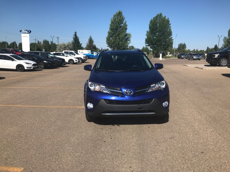 2015 Toyota RAV4 XLE  - Sunroof -  Heated Seats - $144 B/W