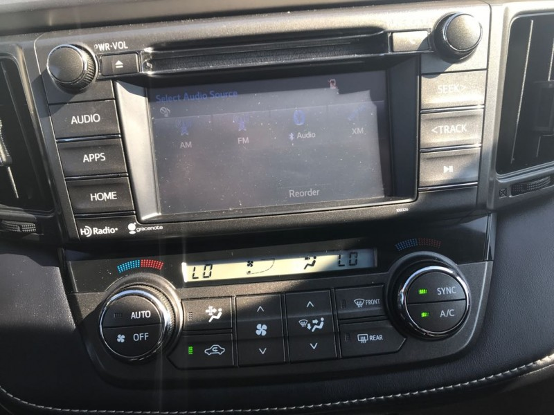 2015 Toyota RAV4 XLE  - Sunroof -  Heated Seats - $144 B/W