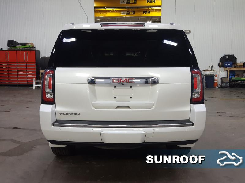 2016 GMC Yukon Denali  - Navigation - Sunroof - $352 B/W