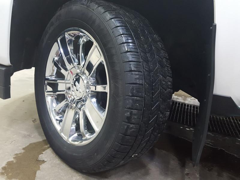 2018 Chevrolet Silverado 1500 High Country  - Navigation - $352 B/W