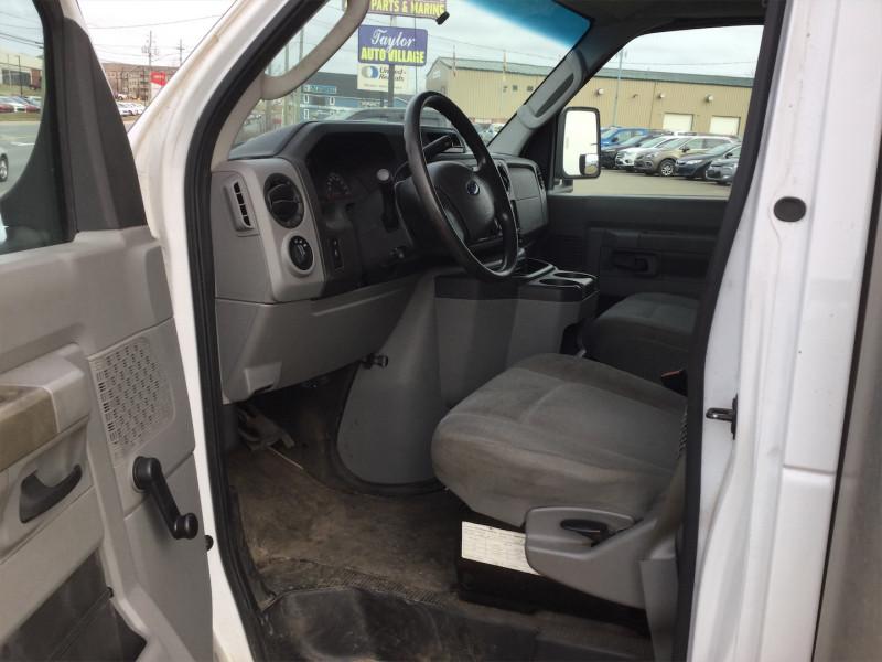 2016 Ford Econoline Commercial Cutaway E-450 Super Duty 158 DRW  - $145.64 /Wk