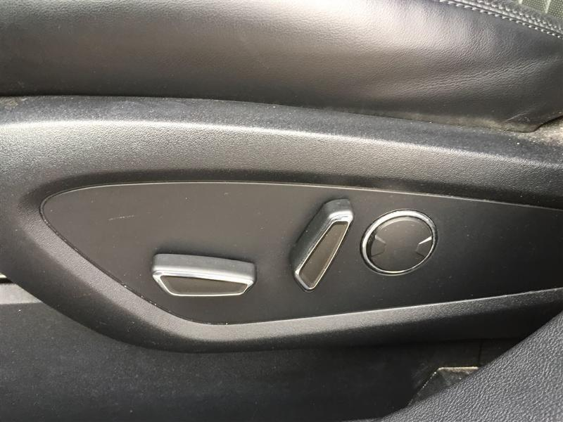 2016 Lincoln MKX Reserve  - Trade-in - Leather Seats - $182 B/W