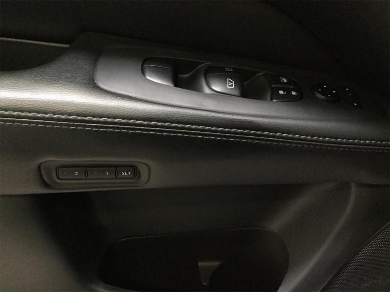 2015 Nissan Pathfinder Platinum  Sunroof,  Navigation,  Leather Seats