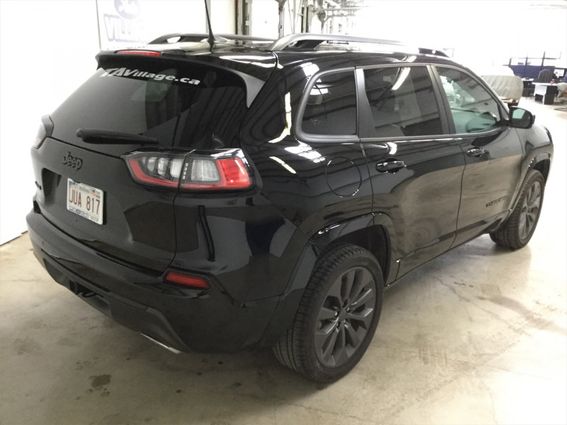 2019 Jeep Cherokee Limited  Low Mileage, Leather Seats