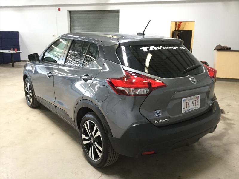 2019 Nissan Kicks SV FWD  -  - Air - Tilt - Low Mileage