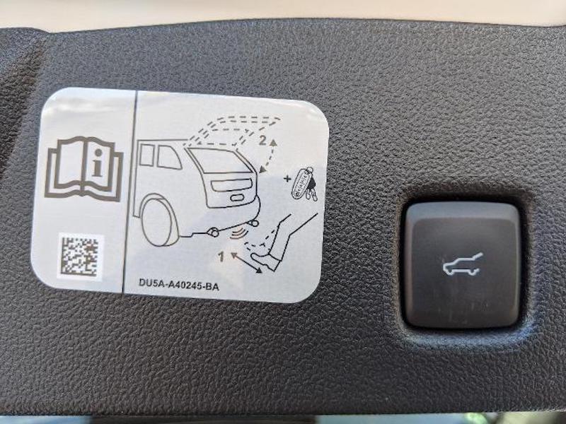 2020 Ford Escape Titanium Hybrid 4WD  - Leather Interior - Sunroof