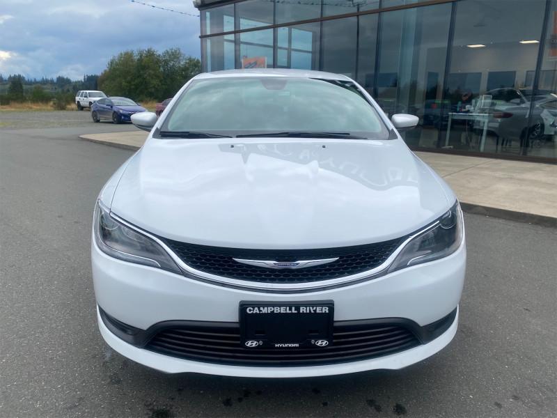 2017 Chrysler 200 LX