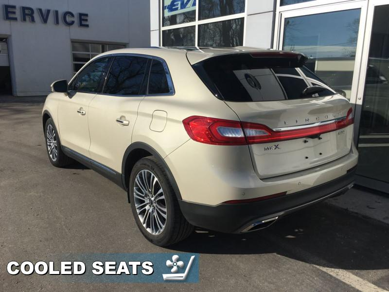 2016 Lincoln MKX Reserve  - Leather Seats -  Cooled Seats - $216 B/W