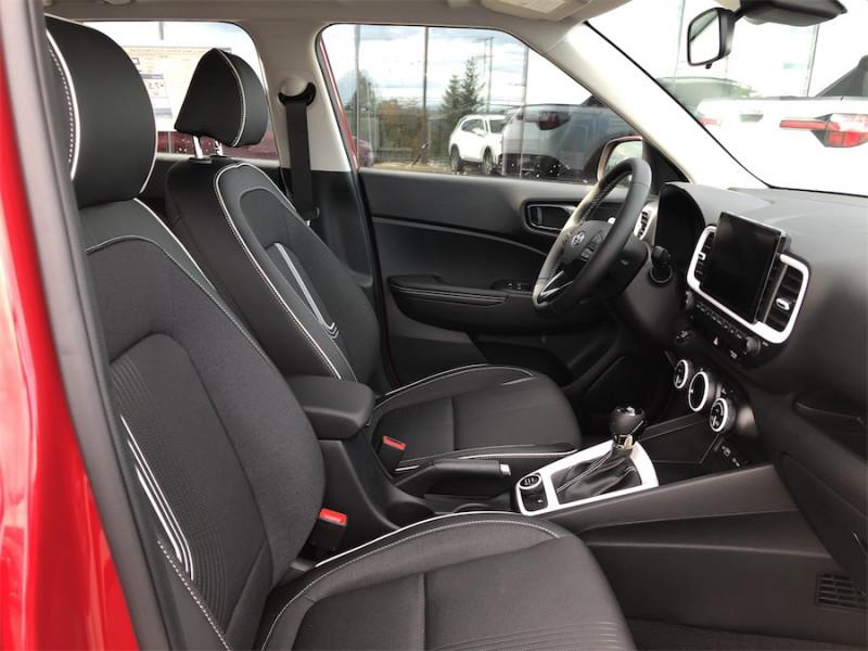 2022 Hyundai Venue Ultimate w/Black Interior