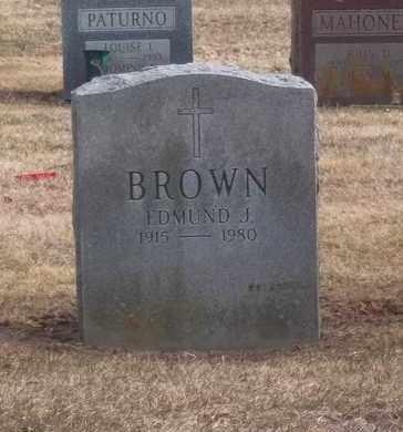 BROWN, EDMUND J - Suffolk County, New York | EDMUND J BROWN - New York Gravestone Photos
