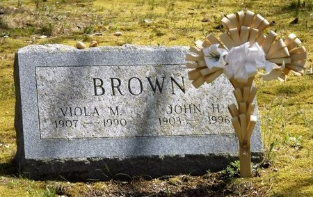 BROWN, VIOLA M - Suffolk County, New York | VIOLA M BROWN - New York Gravestone Photos