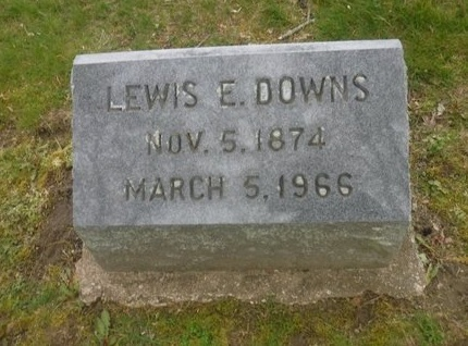 DOWNS, LEWIS E - Suffolk County, New York | LEWIS E DOWNS - New York Gravestone Photos
