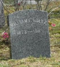 HOLTZ, WILLIAM F - Suffolk County, New York   WILLIAM F HOLTZ - New York Gravestone Photos