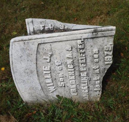 PFEIFFER, WILLIE J - Suffolk County, New York | WILLIE J PFEIFFER - New York Gravestone Photos