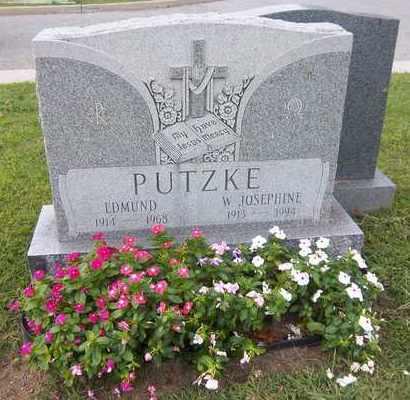 PUTZKE, EDMUND - Suffolk County, New York | EDMUND PUTZKE - New York Gravestone Photos