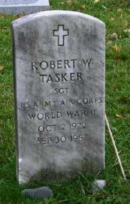 TASKER, ROBERT W. - Suffolk County, New York | ROBERT W. TASKER - New York Gravestone Photos