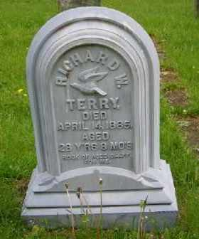TERRY, RICHARD W - Suffolk County, New York | RICHARD W TERRY - New York Gravestone Photos