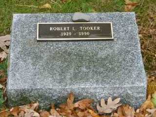 TOOKER, ROBERT L. - Suffolk County, New York | ROBERT L. TOOKER - New York Gravestone Photos