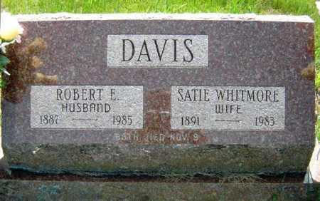 DAVIS, ROBERT E - Warren County, New York | ROBERT E DAVIS - New York Gravestone Photos