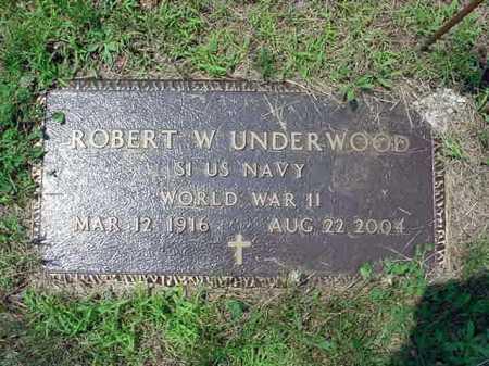 UNDERWOOD, ROBERT W - Warren County, New York | ROBERT W UNDERWOOD - New York Gravestone Photos