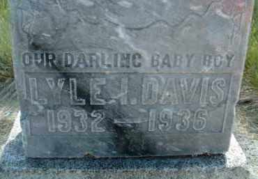 DAVIS, LYLE I. - Klamath County, Oregon   LYLE I. DAVIS - Oregon Gravestone Photos