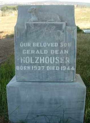 HOLZHOUSER, GERALD DEAN - Klamath County, Oregon | GERALD DEAN HOLZHOUSER - Oregon Gravestone Photos