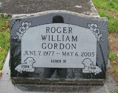 GORDON, ROGER WILLIAM - Polk County, Oregon | ROGER WILLIAM GORDON - Oregon Gravestone Photos