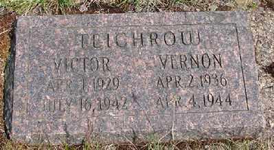 TEICHROW, VICTOR - Polk County, Oregon | VICTOR TEICHROW - Oregon Gravestone Photos