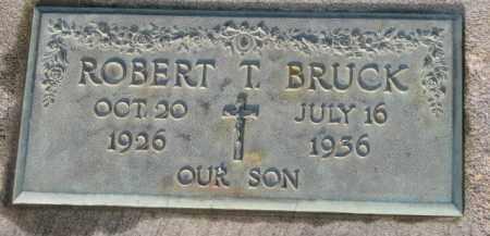 BRUCK, ROBERT T. - Washington County, Oregon   ROBERT T. BRUCK - Oregon Gravestone Photos