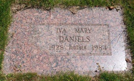 DANIELS, IVA MARY - Yamhill County, Oregon | IVA MARY DANIELS - Oregon Gravestone Photos