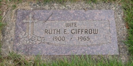 LOVELESS GIFFROW, RUTH ELIZABETH - Yamhill County, Oregon   RUTH ELIZABETH LOVELESS GIFFROW - Oregon Gravestone Photos