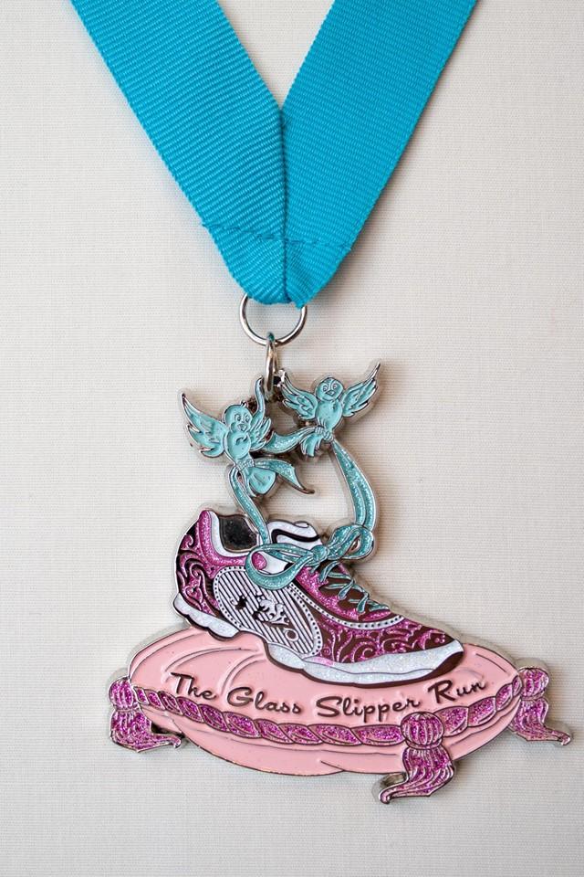 images.raceentry.com/infopages/the-glass-slipper-virtual-race-infopages-1478.jpg