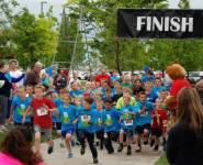 Hey Kid Run registration logo