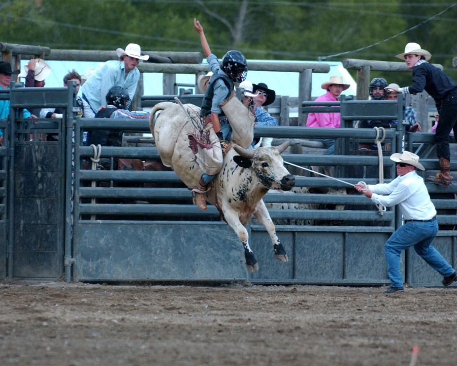 images.rodeoticket.com/infopages1/big-timber-weekly-pro-rodeo-infopages1-12638.png