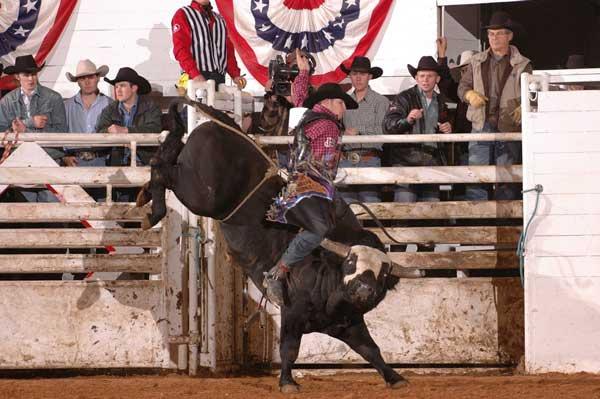 images.rodeoticket.com/infopages2/llano-x-treme-bullriding-infopages2-12529.png