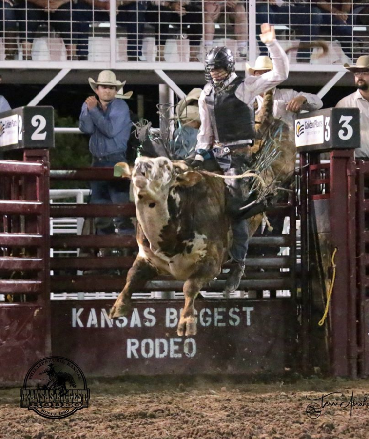 images.rodeoticket.com/infopages3/kansas-biggest-rodeo-infopages3-12584.png