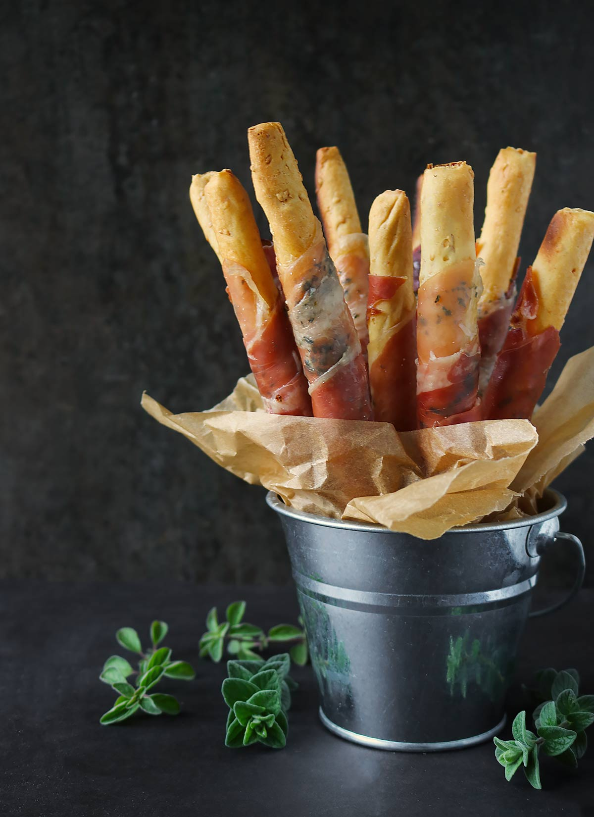 Prosciutto-wrapped breadsticks from Soupaddict.com