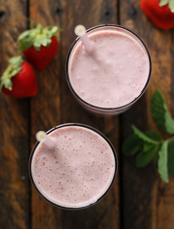 Strawberry Balsamic Smoothie with Rum from SoupAddict.com