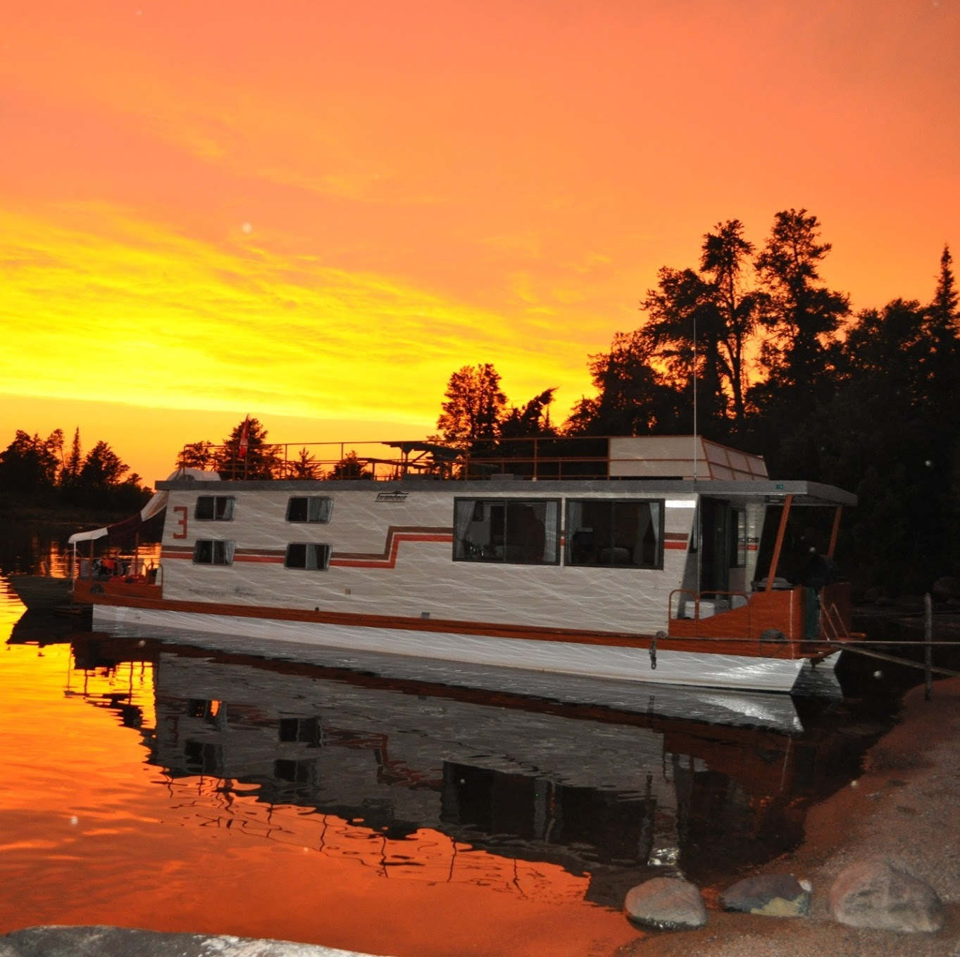 Ontario Wilderness Houseboat Rentals