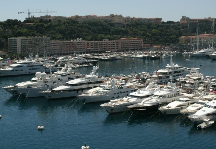 Flotiques Travel Agency